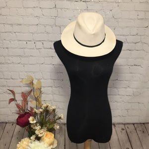 🌿 Panama Montecristi Hat